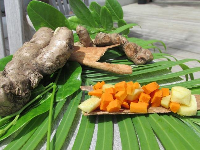 Ingredients for turmeric tea