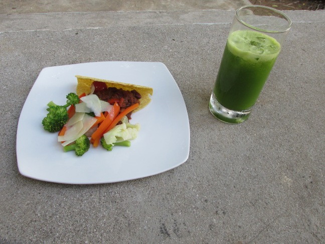 Healthy Veggie Taco with Green Juice