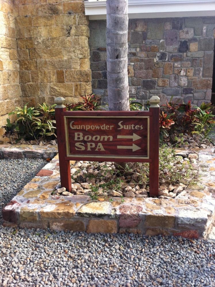Boom, Antigua. Restaurant, Spa and Pool