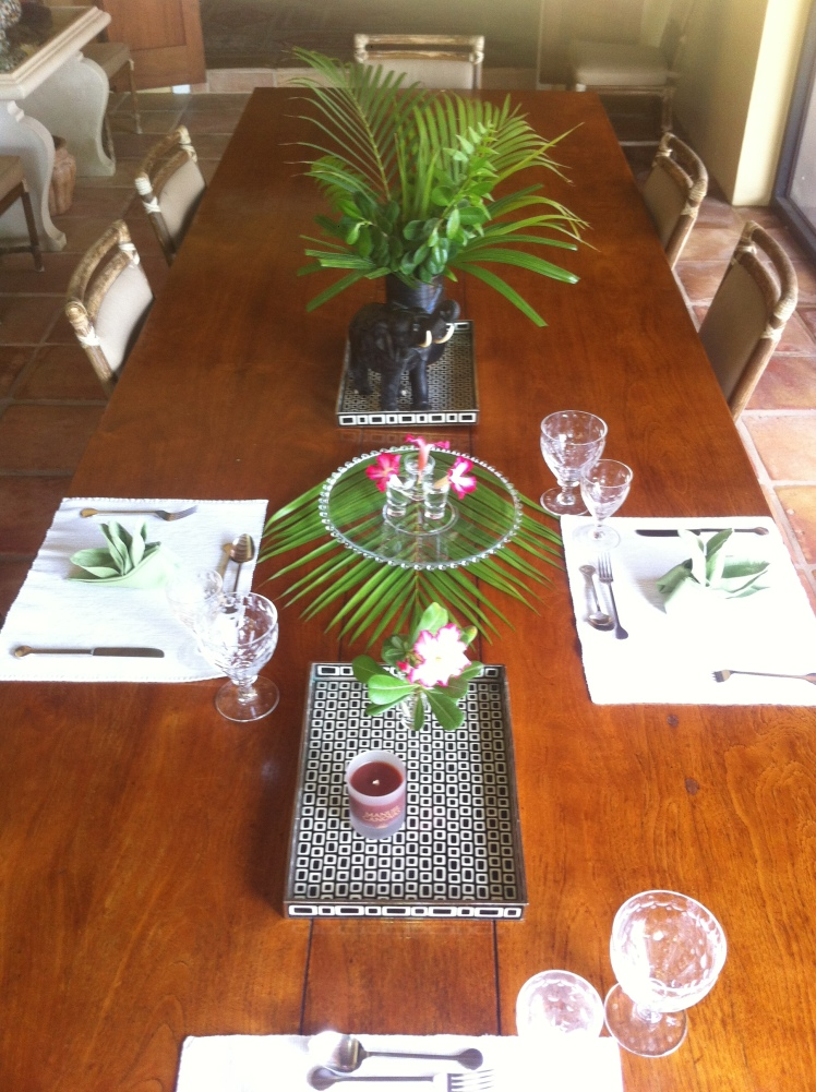 A simple yet elegant, tropical centrepiece for the dinner table