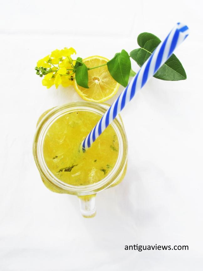 Spicy ginger and turmeric lemonade